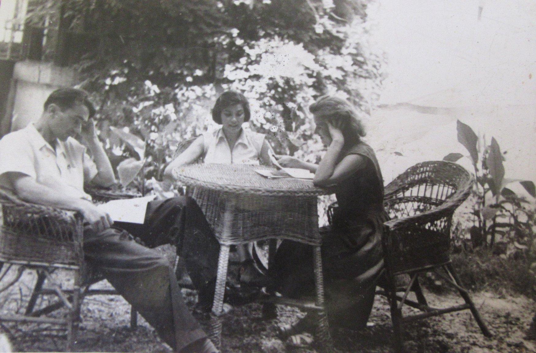 Maria Găitan cu Ion Horea și Aurora Cornu