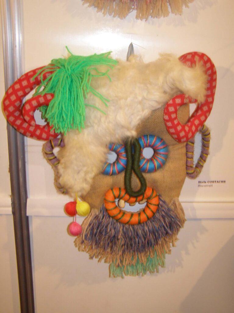 Mască decorativă Stela Costoache. Foto - Anamaria Stănescu