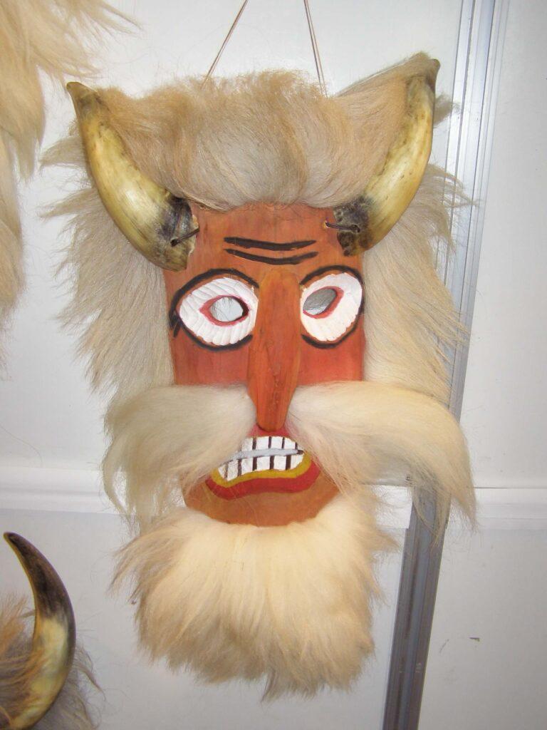 Obiceiul Chipărușului, mască. Foto: Anamaria Stănescu