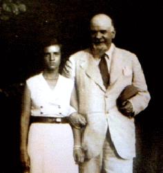 Pussy Callimachi cu tatăl ei