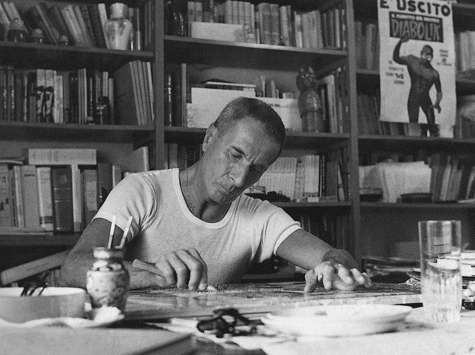 Dino Buzzati (1906-1972), Sursa foto - Wikipedia