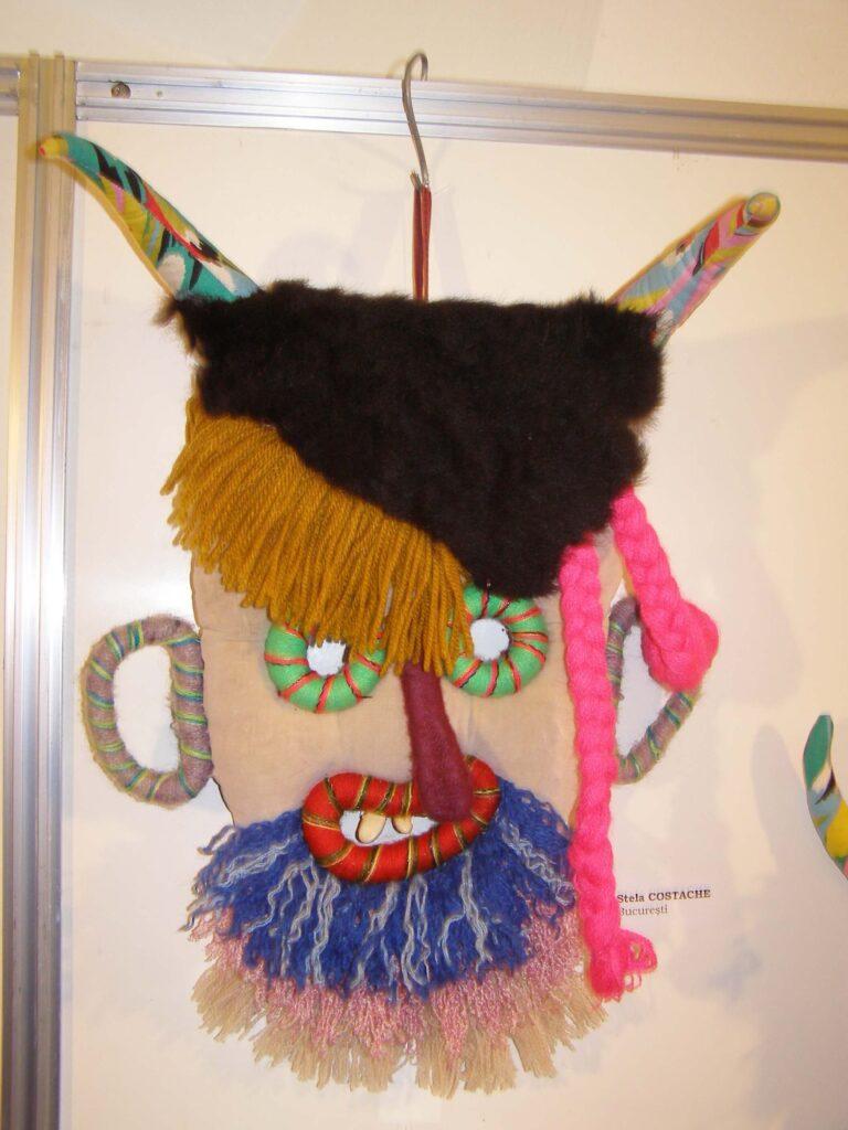Mască decorativă Stela Costoache. Foto: Anamaria Stănescu