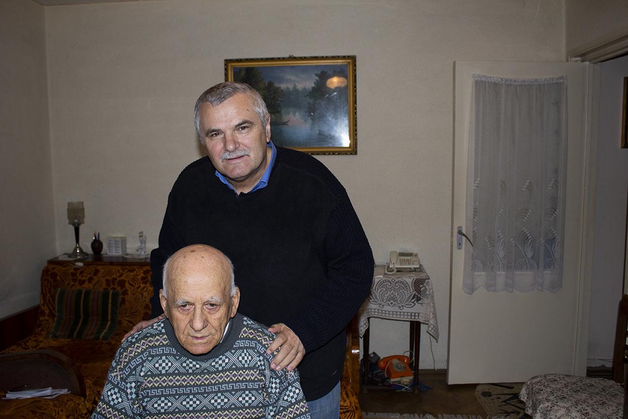Ștefan Mitroi cu fratele lui Marin Preda, Alexandru Preda (Sae)