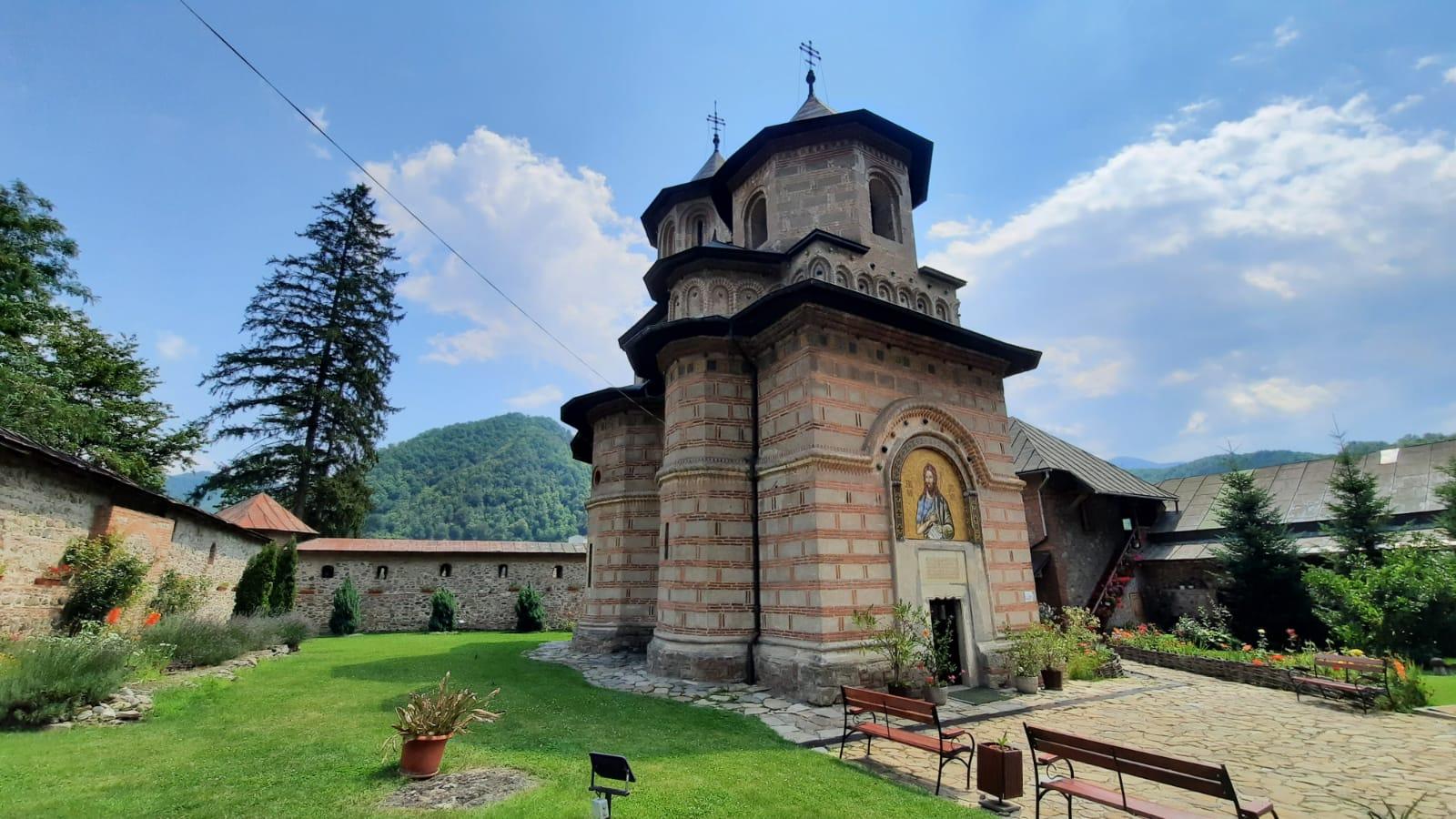 Mănăstirea Cornetu (Racovița,  jud. Vâlcea)