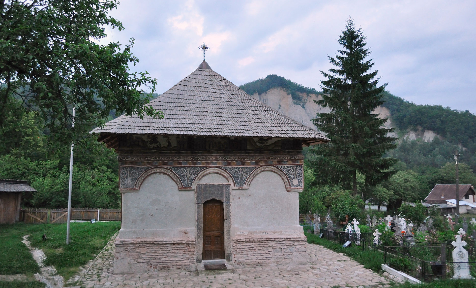 """Biserica monument """"Intrarea în Biserică"""", fotografie de Mircea Rareș Țetcu. Sursa foto: Wikipedia"""
